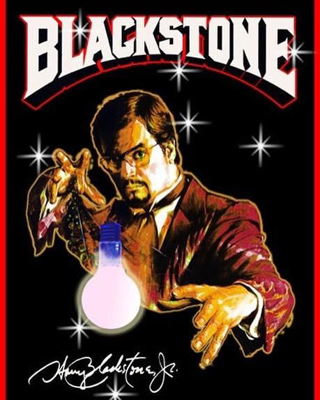 Harry Blackstone Jr. performed a floating lightbulb trick that amazed audiences across the world. See it here https://youtu.be/EY64PxRTwh4 #magic